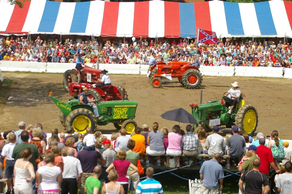 Tractors at Country Fest